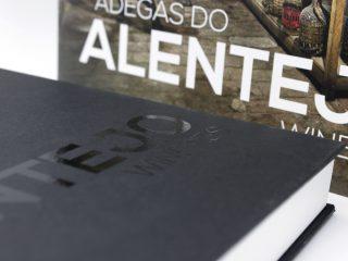 Livro de capa dura Adegas do Alentejo